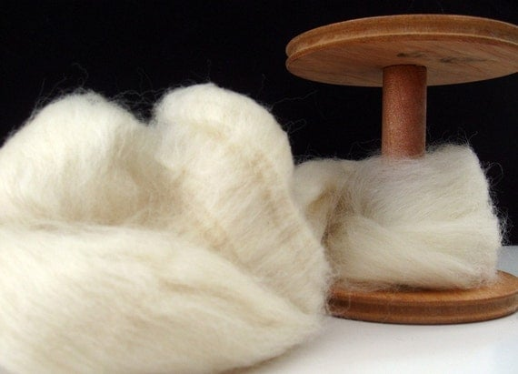 Ecru/Undyed/Natural Polwarth roving, wool roving (combed top), spinning fiber - 4 ounces