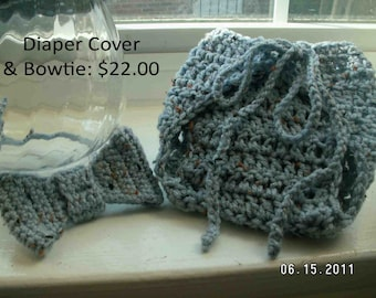 Diaper cover and bowtie for babies up to 12 months - great photo prop