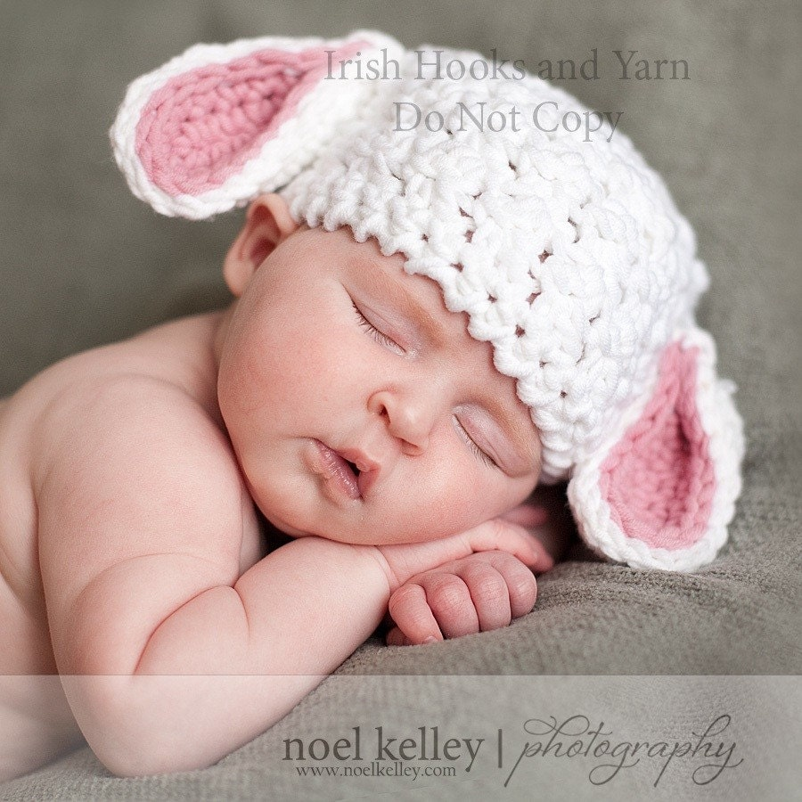 Free Crochet Pattern Baby Lovey : Baby Lamb hat with pink or blue ears in three sizes