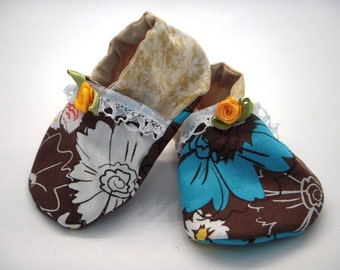 SALE Baby Girl Eco Friendly soft sole crib shoes with lining 3 to 6 months READY to ship