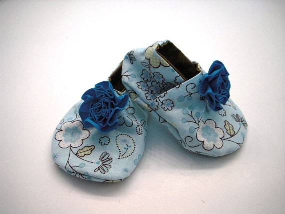 Baby Girl soft sole crib shoes Eco Friendly  with lining 3 to 6 months READY to ship