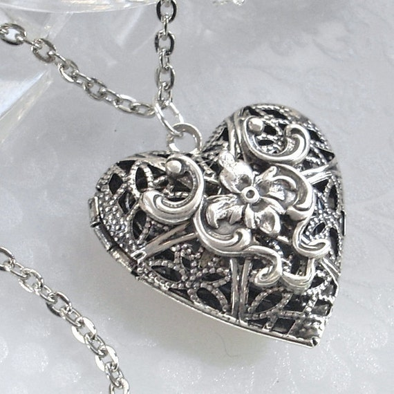 Silver scent locket necklace jewelry filigree heart for How to make scented jewelry