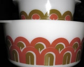 set of 2 pyrex mixing bowls...Designs - Retro Arches - Fishscale Pattern