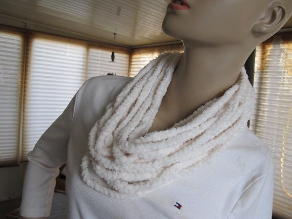 SALE - Gala Plush Chain Link Cowl (800)