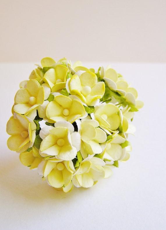 Pastel yellow Petite Primrose Vintage style roses bunch Millinery Flower Bouquet
