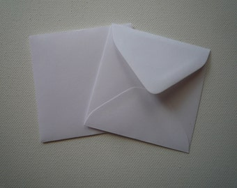 "PE33 25 V Flap 3 1/8"" x 3 1/8"" (7.94cm x 7.94cm) 60lb  Paper Envelopes  White or Vanilla"