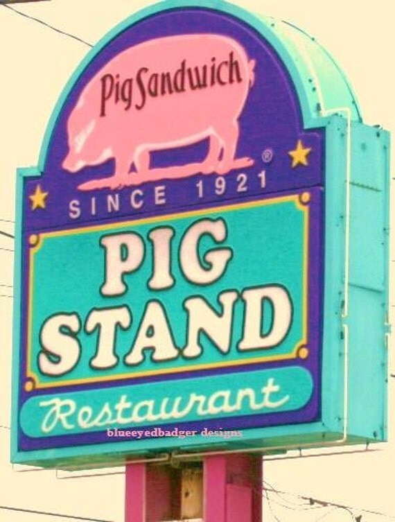 Pig Stand Drive In,  Calde Ave, Beaumont, Texas, color photography,  Photographers of Michigan, PoE team
