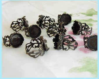 20 Pieces of Antiqued Bronze Floral Filigree Ring With  Crown Bezel Setting For 14mm Cabochon