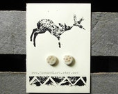 Porcelain Stud Earrings with Arrow Pattern