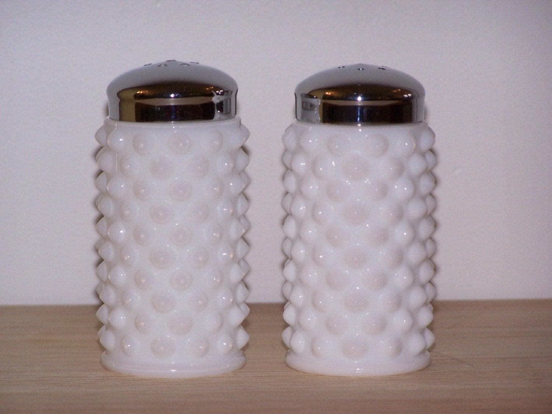 fenton milk glass hobnail salt n pepper shaker. Black Bedroom Furniture Sets. Home Design Ideas