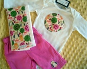 The Hoot heard around the World Gift Set- Onesie,Pants and Burp Cloth set