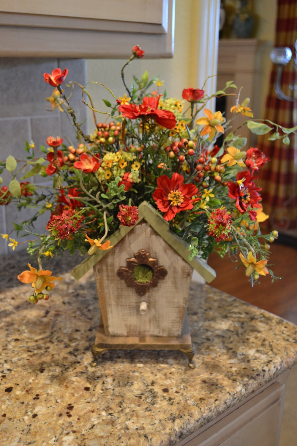 Summer birdhouse arrangement