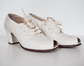 1930s Red Cross Brand white lace up peep toe oxfords WEDDING Size 8