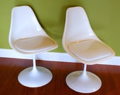 Vintage Saarinen Style White Tulip Swivel Chairs set of 2