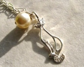 Sterling Silver Glamour Cat and Pearl Charm Motif Necklace