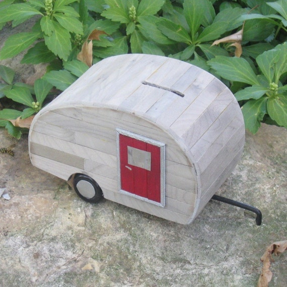 Coin Bank - The Little Old Trailer Bank (no. 4R)