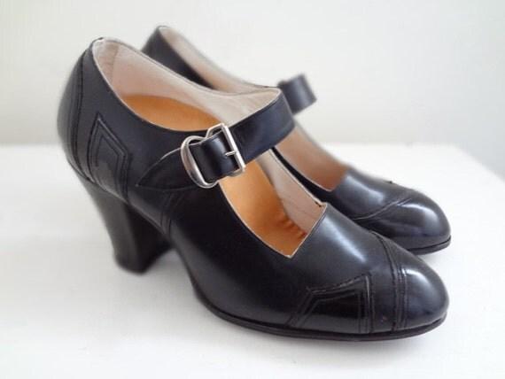 1930s Vintage Black Leather Heels Size 4.5 Deadstock