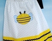 SALE - PDF e-Pattern - Pillowcase Dress with Bumble Bee and Bear Appliques - 6 months to 4 years