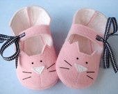 SALE - PDF ePATTERN - Precious Kitty Baby Booties - Shoes Sewing Pattern