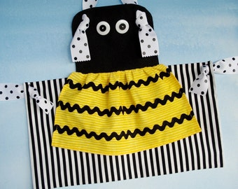 SALE - PDF ePattern - Bumble Bee & Ladybug Knot Aprons for Children Sewing Pattern - Three Sizes