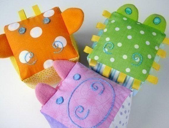 SALE - PDF ePATTERN - Giraffe, Gator and Pig Blocks for Baby