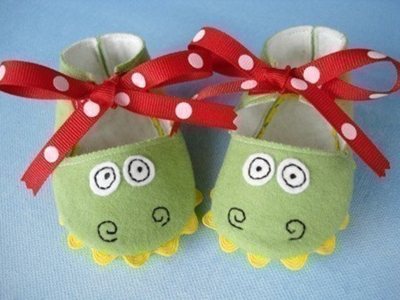 SALE - PDF PATTERN - Precious Monster Baby Booties - Shoes Sewing Pattern