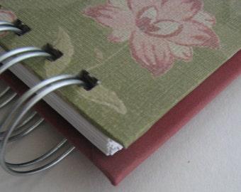 Cash Envelope Wallet/ Envelope System Wallet/ Envelope Budget/ Envelope System/ Budget Wallet/ Cash Budget Envelope/ Moss Green Red Floral