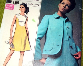 1960s Vintage Sewing Pattern - Simplicity 8092 -  Mod Dress and Jacket - Designer Fashion First Lady Retro / Size 16 UNCUT FF
