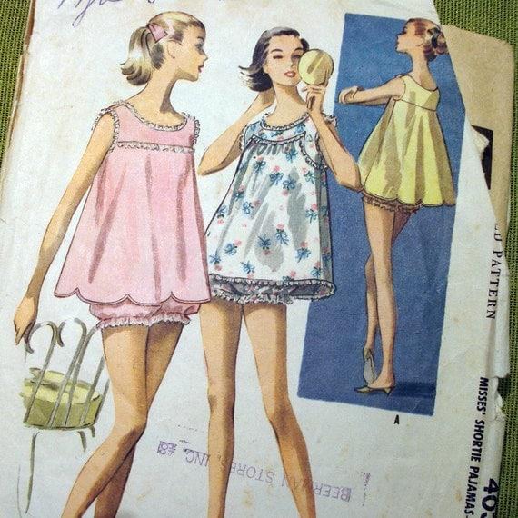 1957 Vintage Sewing Pattern - McCalls 4030 - BABY DOLL NIGHTIE