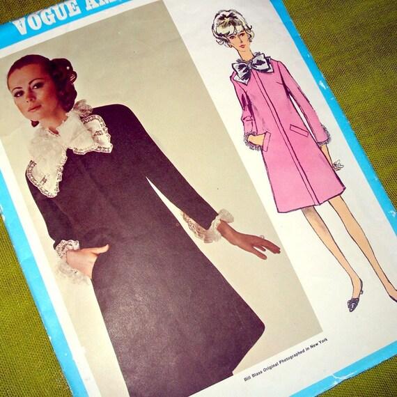 1960s Vintage Vogue Americana 1973 - BILL BLASS - DRESS - Designer Fashion