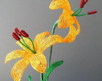 Lily - Beaded Flower Tutorial