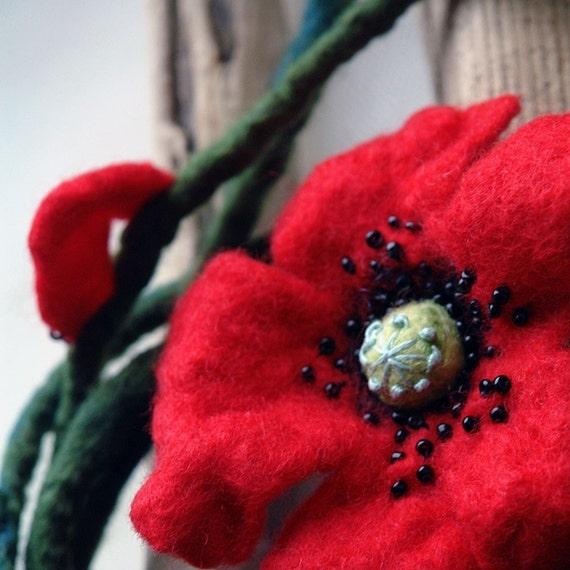 Poppy sing - Hand Felted Wool Flower necklace, Belt, Brooch, Felt red poppy, Felt accessory,  Felt vine belt