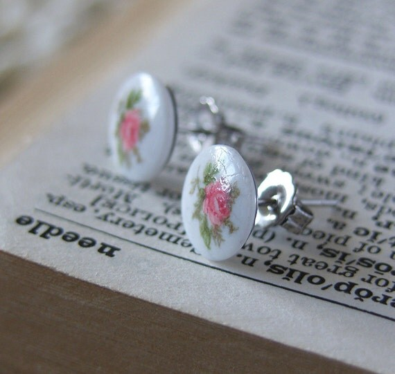 Small Flower Stud Earrings -- Pink & White Floral Print Cabochons -- Round Plastic Discs -- UK