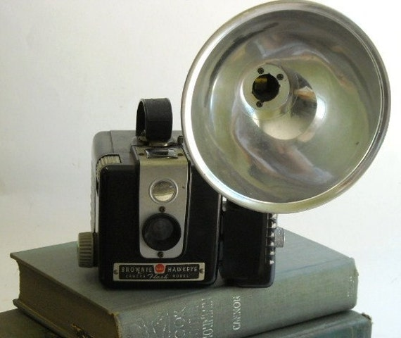 vintage Brownie Hawkeye Kodak Flash Model Camera