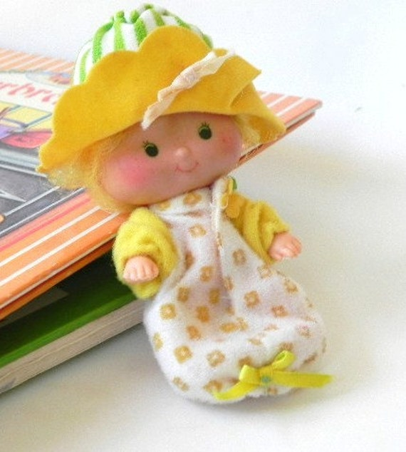 vintage 1979 Butter Cookie---Strawberry Shortcake doll