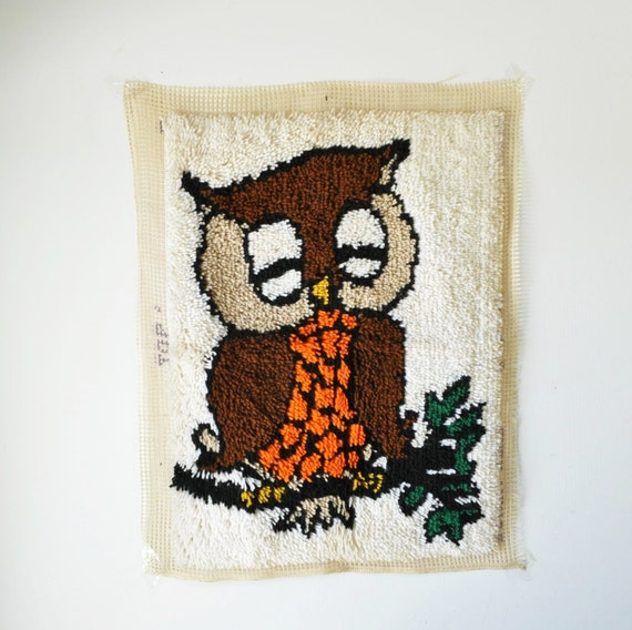 vintage latch hook owl rug- wall hanging