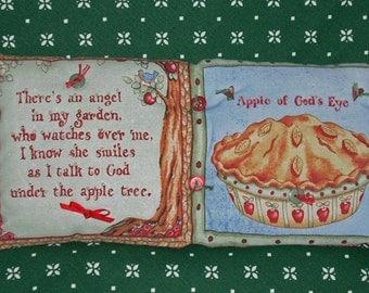 PILLOW--Apple Pie