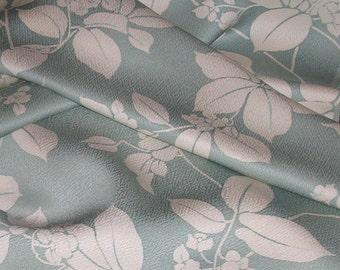 Vintage Japanese Kimono Silk Lovely Trailing Leaves & Flowers 60ins