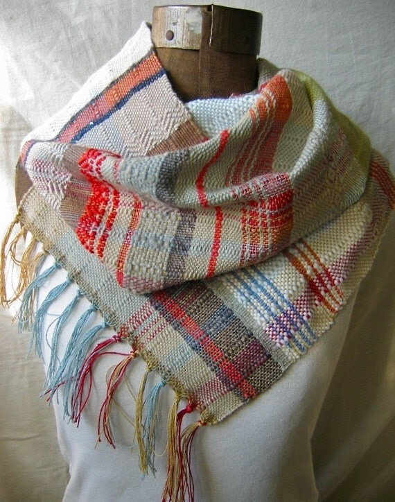 Handwoven Gray and Red Scarf