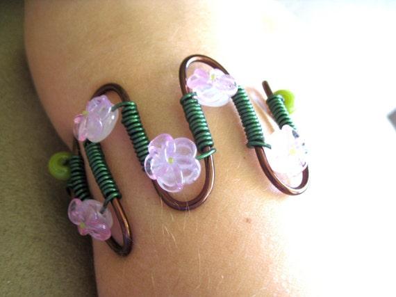 Soft Pink Flower Bracelet