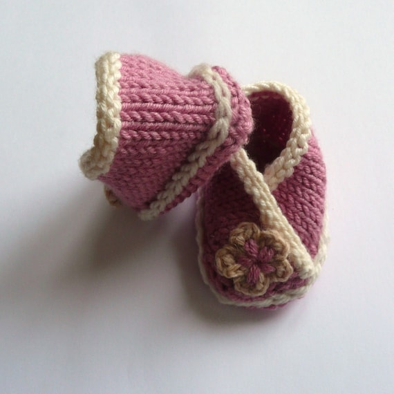 Baby Crossover Booties PDF Knitting pattern. by ceradka on ...