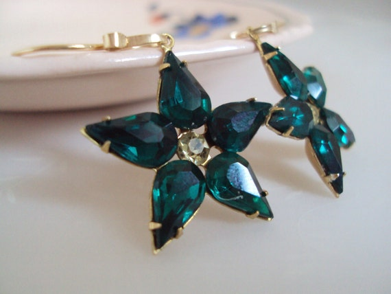Christmas Star Earrings, Forest Green Star, Vintage Crystal Star, for her, Under 25