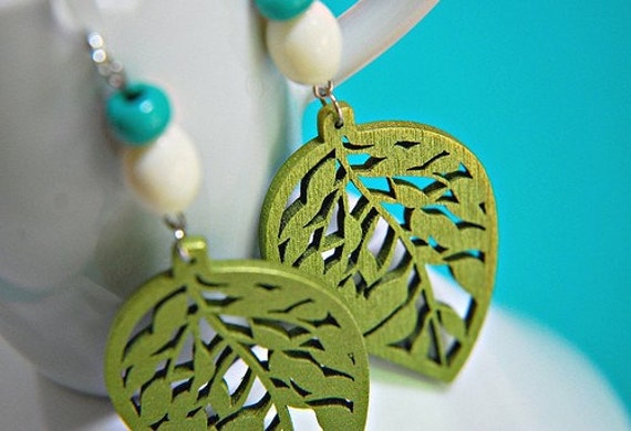 Green Leaf Dangly Wooden Earrings