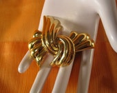Retro Monet Large Goldtone Twisted Ribbon Pin