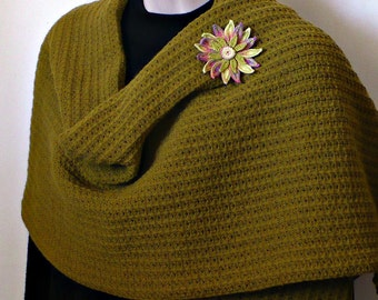 On Sale Marked Down 25% Knit Scarf Stole Crochet Edge Reversible Chartreuse Daisy Flower Brooch