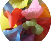SALE Set of 20 assorted color lucite trumpet flower beads