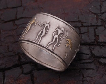 Ancient People Oval Medallion Ring
