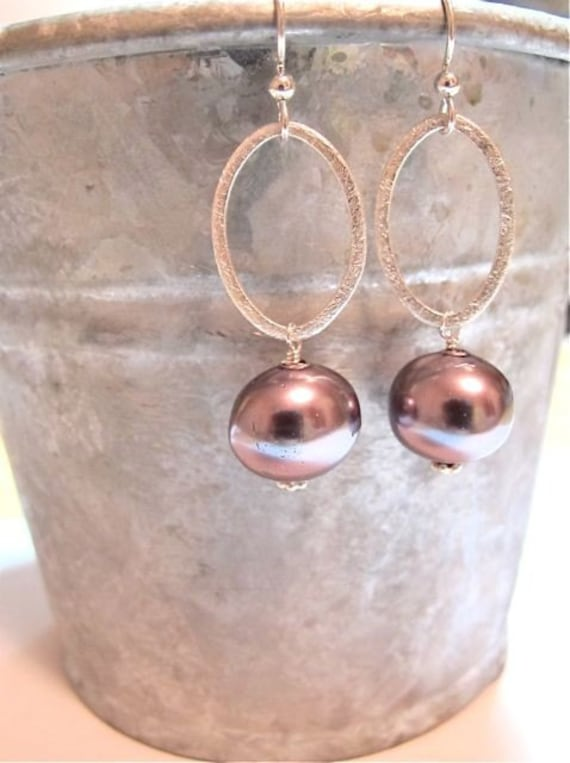 Silver earrings. Hoop earrings. Pearl earrings. Brushed silver gray pearl drop earrings. COIN