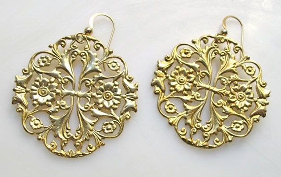 Silver earrings. Gold chandeliers. Vintage gold earrings. Floral earirngs. Big gold earrings.  ANTIQUE2
