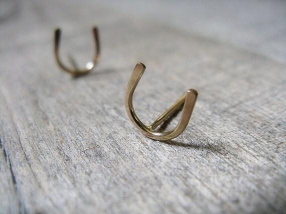 Horseshoe stud earrings 14k Gold fill